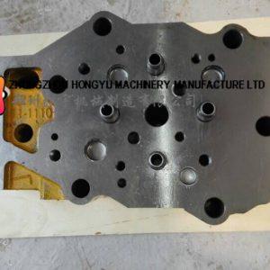 Komatsu 6D140 cylinder head